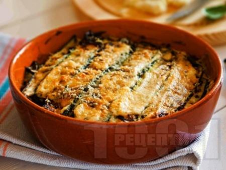 Запечени тиквички със сирене пармезан и заквасена сметана на фурна - снимка на рецептата